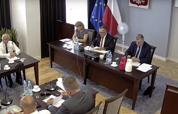 IX sesja Rady Powiatu Jarosławskiego - video i skrót